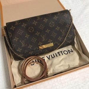 Louis Vuitton Favorite MM Monogram Crossbody